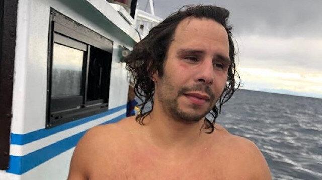 Turkish swimmer cross Tsugaru Strait in Japan
