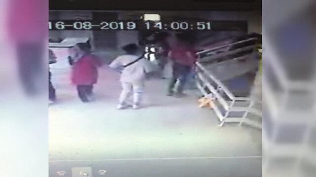 Baba-oğlun doktoru dövdükleri anlar güvenlik kamerasında