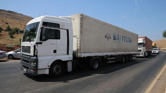 37 شاحنة مساعدات أممية تعبر من تركيا إلى إدلب