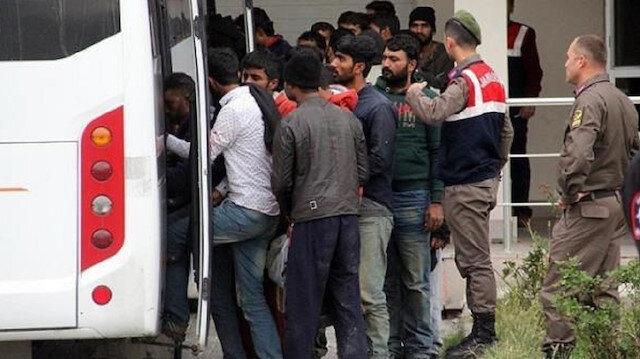 ضبط 335 مهاجرا غير نظامي شمال غربي تركيا