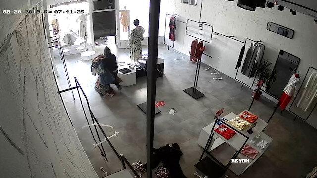 Hırsızlar giyim mağazasını talan etti