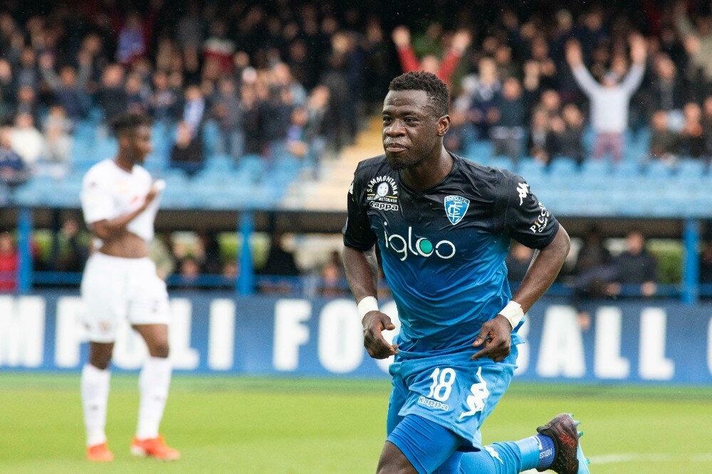 Geçen sezonu Serie A takımlarından Empoli'de geçiren tecrübeli orta saha oyuncusu, 28 maçta forma giyerken, 2 de gol attı.