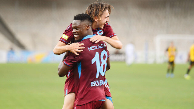Trabzonsporlu oyuncuların gol sevinci