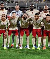 Galatasaraya sürpriz forma sponsoru