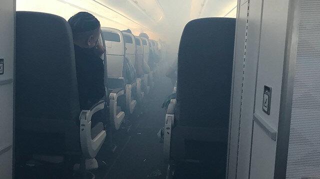 Hawaii eyaletine giden yolcu uçağının kabin ve kargo bölümü duman doldu.