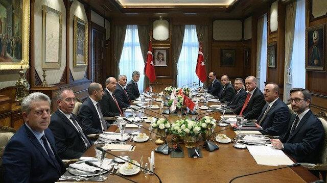 أردوغان يستقبل رئيس وزراء جمهورية شمال قبرص التركية