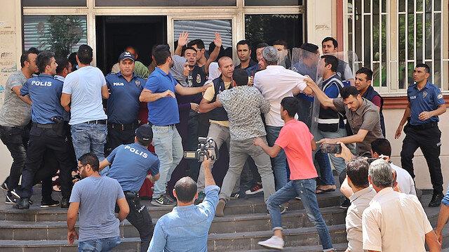 Oğlu HDP tarafından kaçırılan anneye partililerden saldırı