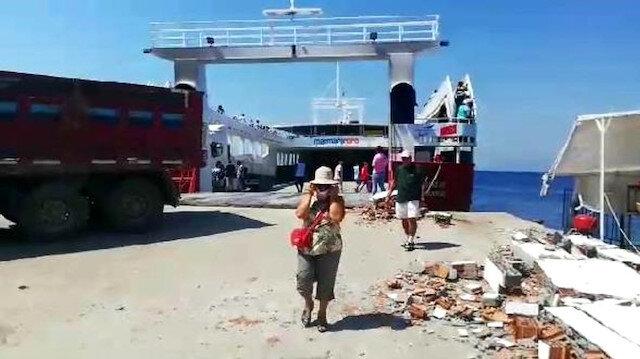 Erdek-Avşa seferini yapan feribot karaya çarptı.