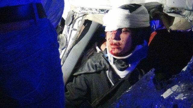 Diyarbakır Silvan karayolundaki kazada 4 ağır 3'ü çocuk 8 kişi yaralındı.