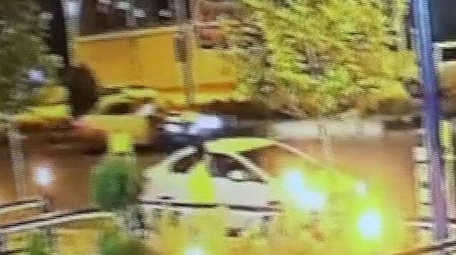 Motosikletle otomobilin kaza anı kamerada