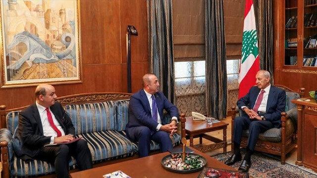 تشاووش أوغلو يبحث مع رئيس النواب اللبناني أوضاع المنطقة