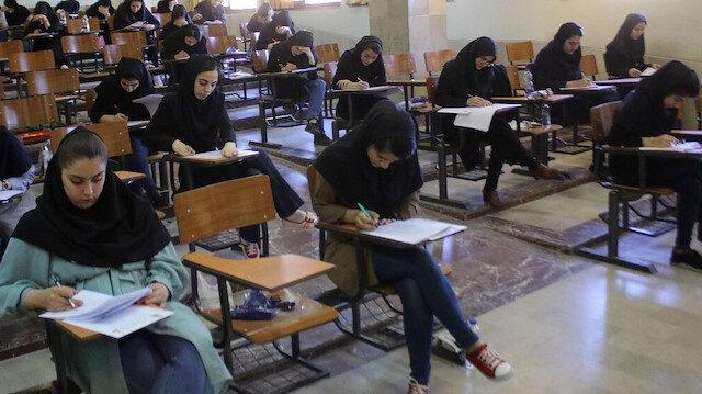 İranlı öğrenciler.