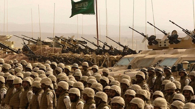 الحوثيون يعلنون استهداف تجمعات للجيش السعودي في نجران