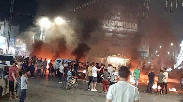 """لليوم الثاني.. تجدد """"احتجاجات السجائر"""" بالرمثا الأردنية"""