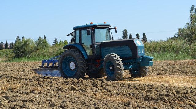 Türkiye'nin ilk yerli ve milli elektrikli traktörü sahada