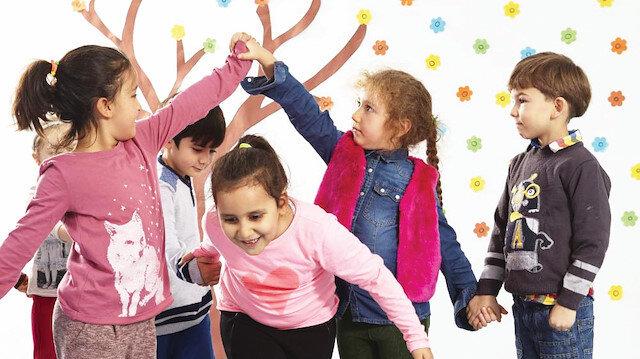 Miniklerin okul heyecanı kadar çocukları ilk kez okula gidecek anne-babaların okula hazırlığı da önem taşıyor.