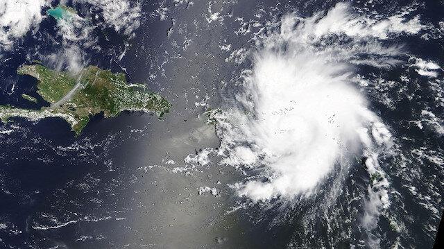 Kasırga alarmı: Dorian kasırgası marketleri boşalttı