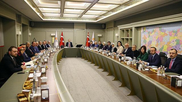 AK Parti MYK'dan 4 isim için ihraç talebi