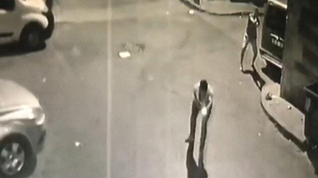Sokak ortasında çatışma anları kamerada