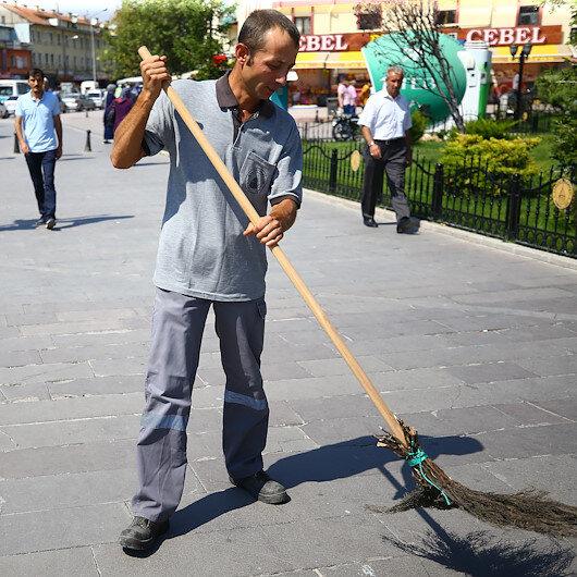 Temizlik işçisi buldu: 35 bin liralık çeki sahibine teslim etti