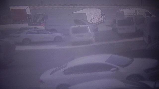 Park halinde kaymaya başlayan araç 7 araca çarptı