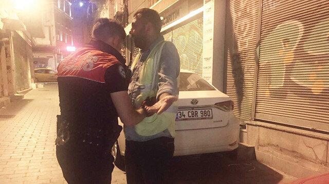 Gözaltına alınan kişilere, Karayolları Kanunu ve Kabahatler Kanunu'na muhalefetten cezai işlem yapıldı.