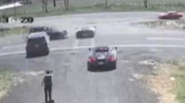 Lamborghiniyi ikiye bölen kaza kamerada