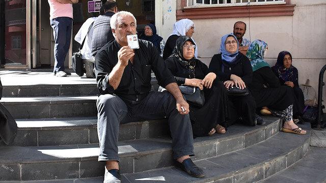 Evlat nöbeti büyüyor: İki aile daha katıldı