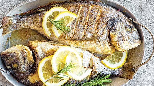 Balık salatayla güzel