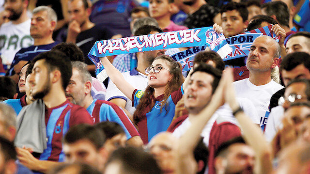 Trabzonspor taraftarı kombine satışlarına büyük ilgi gösterdi.