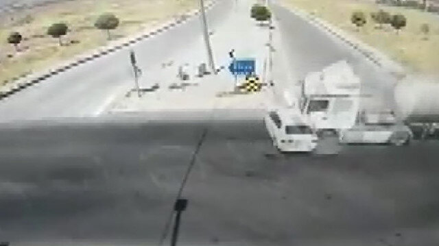 Hatay Emniyet Müdürünün geçirdiği kaza kamerada: 1 ölü 3 yaralı