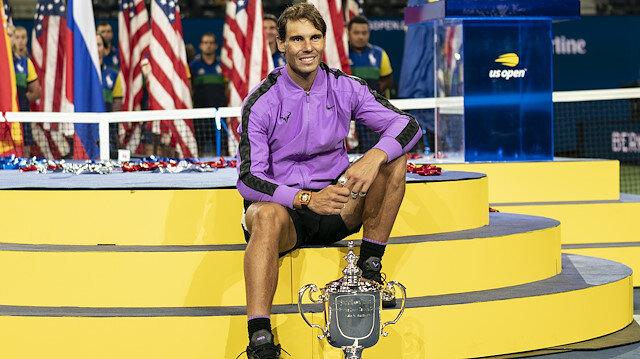 ABD Açık Tenis Turnuvası tek erkekler finalinde Rafael Nadal, Daniil Medvedev'i 3-2 mağlup ederek şampiyon oldu.