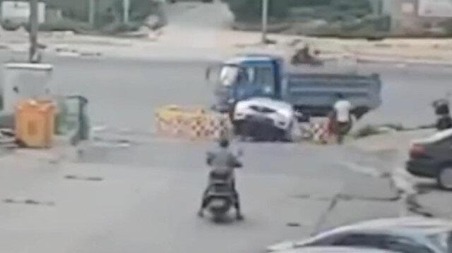 6 yaşındaki çocuk otomobille çukura uçtu