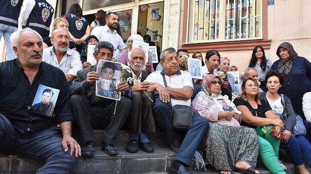 HDP il binası önündeki oturma eylemine katılan aile sayısı 20'ye yükseldi.