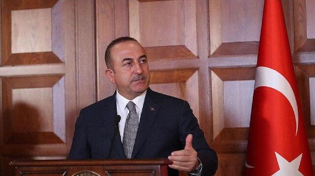 تشاووش أوغلو يجري مباحثات مع زعيم المعارضة بشمال قبرص