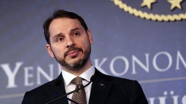 وزير المالية التركي يعقد اجتماعًا مع وزير التجارة الأمريكي