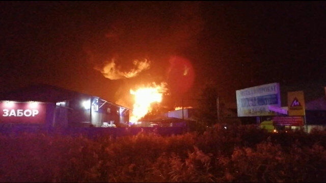 Rusyada yakıt deposunda dev yangın