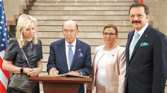 (Soldan sağa) Hilary Geary Ross - Wilbur Ross - Ruhsar Pekcan - Rifat Hisarcıklıoğlu