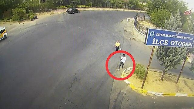 Süleyman Çetinkaya'nın PKK'lı terörist ile görüntülü konuşma yaparken güvenlik kameralarına yansıyan görüntüleri.