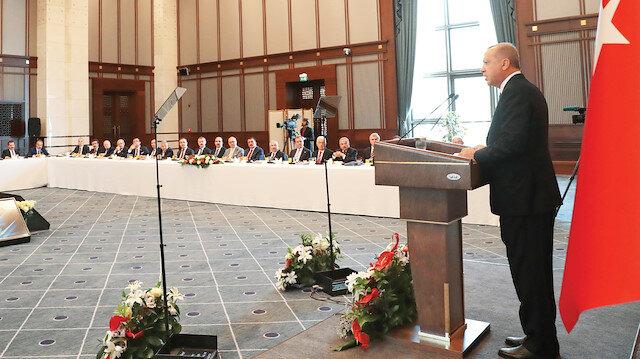 Recep Tayyip Erdoğan, Belediye Başkanlarını Külliye'de ağırladı.