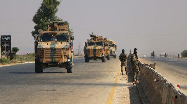 Konvoyda çok sayıda zırhlı araç, personel, personel taşıyıcı ve iş makineleri yer aldı.