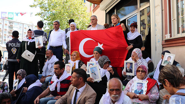 Families protest PKK's child abduction in Diyarbakır