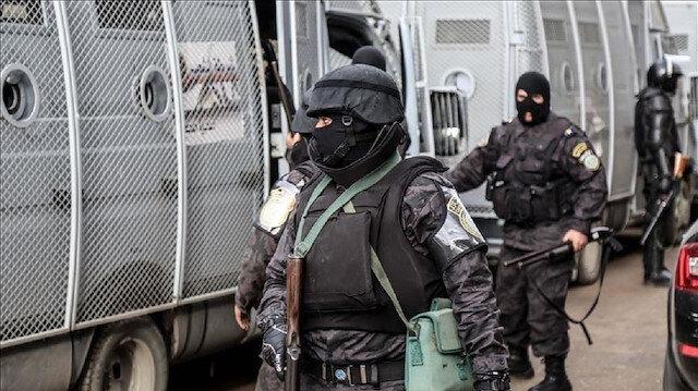 """حبس نجل رئيس تحرير صحيفة بتهمة """"نشر أخبار كاذبة"""" في مصر"""