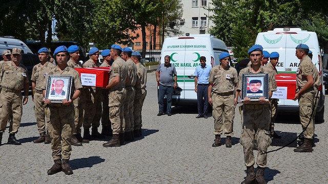 Diyarbakır'daki terör saldırısının sivil şehitleri son yolculuklarına uğurlandı