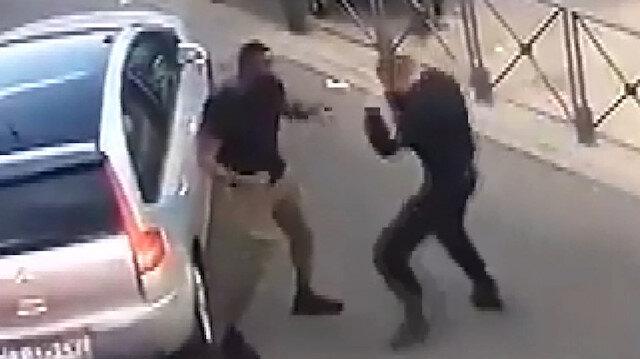 Polis gözaltına almaya çalıştığı adamla boks yaptı