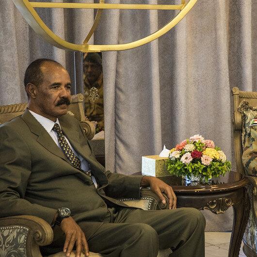 الرئيس الإريتري يبحث في الخرطوم العلاقات الثنائية