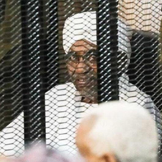 في خامس جلسات محاكمته.. القضاء يرفض إعادة استجواب البشير