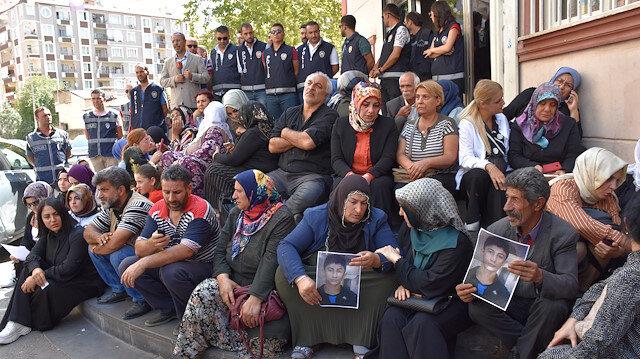 Twelve days on, more families join anti-PKK protest