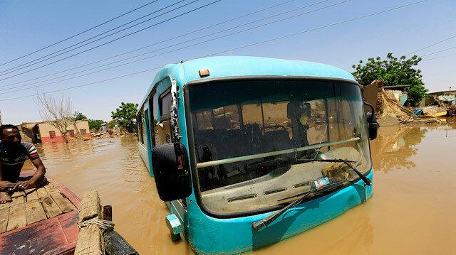Sudan'da sel 85 kişiyi öldürdü