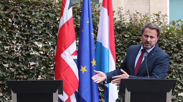 Boris Johnson protestolara takılınca ortak basın toplantısında kürsü boş kaldı